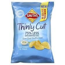 SMITHS THINLY SOUR CREAM & ONION 175g